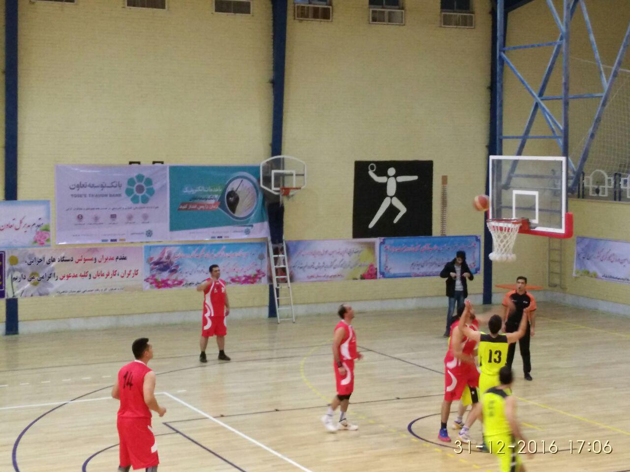 پیشتازی آسمان خراش های یزدی در مسابقات بسکتبال قهرمانی کارگران کشور